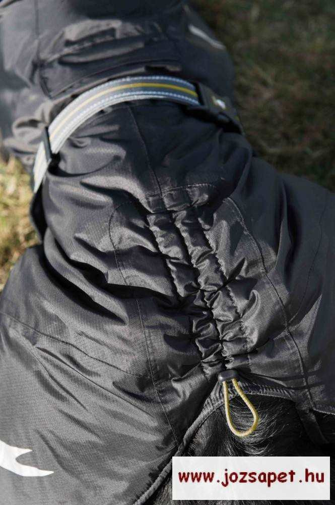 Hurtta Kutyaruha Summit Parka Fekete 80cm